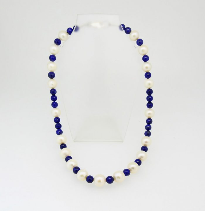 Jackie Ribbons - Laips and Pearls Necklace